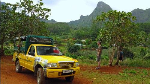 """Opunohu Tal, im Hintergrund der Berg """"Moua Puta"""""""